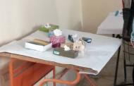 توزيع شهادات التقدير في مسابقة تصميم علب مناديل برعاية شركة وايت للمناديل