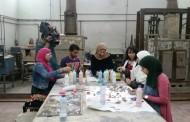 إبداع الحلي … ورشة عمل تجمع أقسام الزجاج والخزف والمنتجات المعدنية والحلي